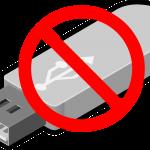 Dibujo de una memoria USB con una señal superpuesta de prohibido